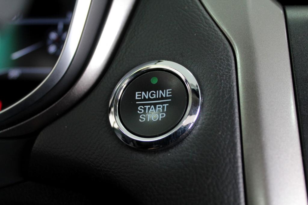 Imagem do veículo FORD FUSION 2.0 SEL 4P AUTOMÁTICO 6M - 2017 - CINZA