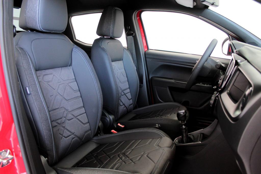 Imagem do veículo FIAT STRADA 1.3 VOLCANO CD FLEX 4P MANUAL - 2022 - VERMELHO  ** 0 KM **