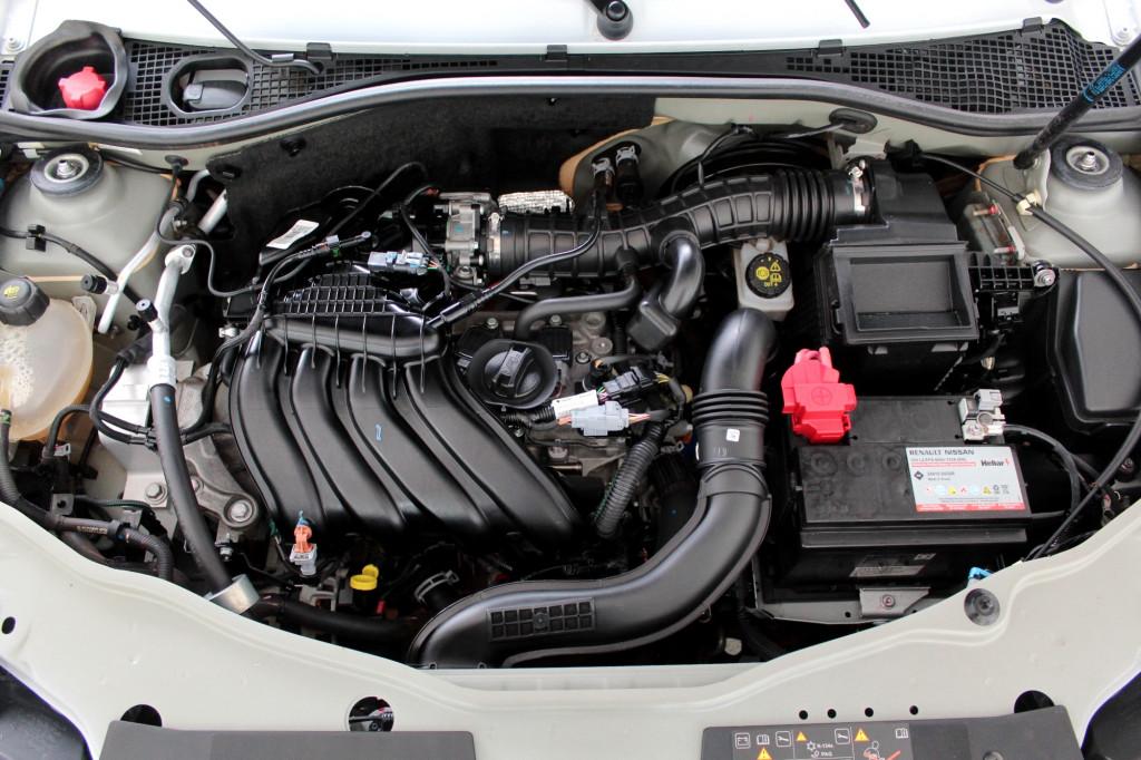 Imagem do veículo RENAULT DUSTER 1.6 EXPRESSION FLEX 4P AUTOMÁTICO CVT 6M - 2020 - BRANCO