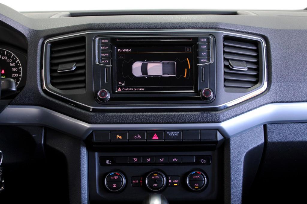 Imagem do veículo VOLKSWAGEN AMAROK 2.0 HIGHLINE EXTREME 4X4 CD TURBO DIESEL 4P AUTOMÁTICO 8M - 2018 - PRETO