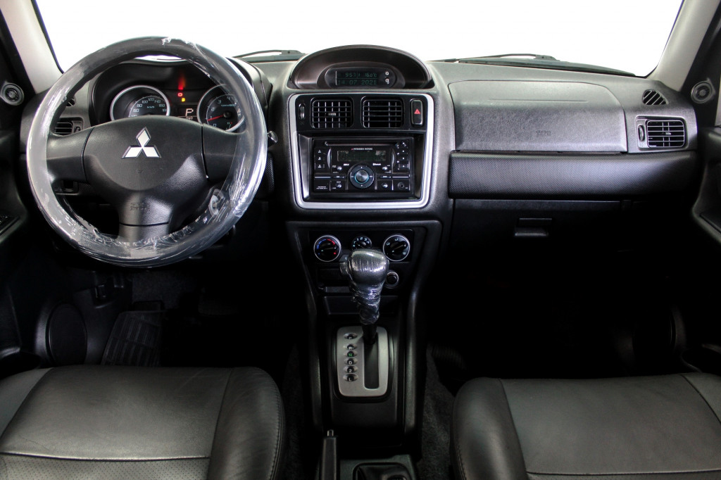 Imagem do veículo MITSUBISHI PAJERO TR4 2.0 4X4 FLEX 4P AUTOMÁTICO - 2010 - VERDE