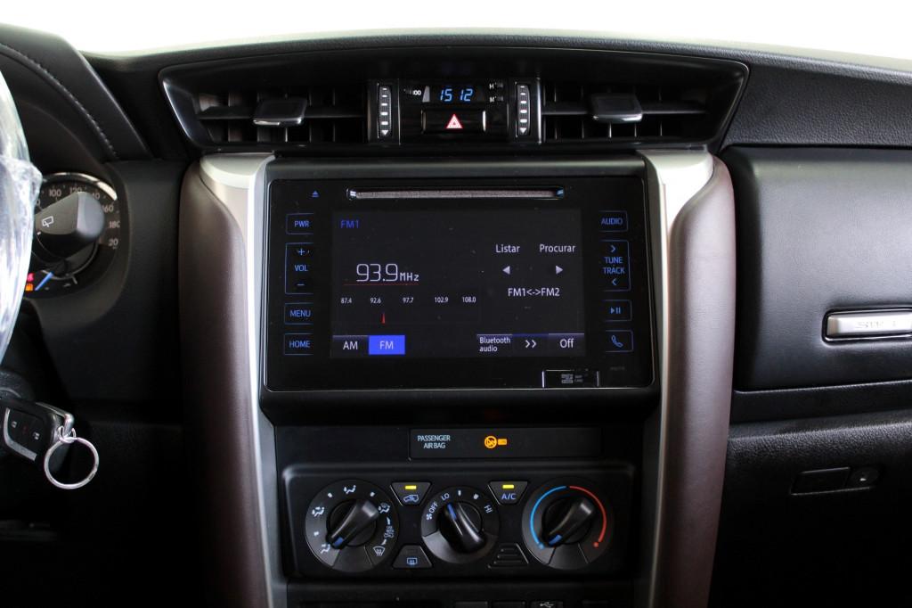 Imagem do veículo TOYOTA HILUX SW4 2.7 SR 7L FLEX 4P AUTOMÁTICO 6M  - 2017 - BRANCO