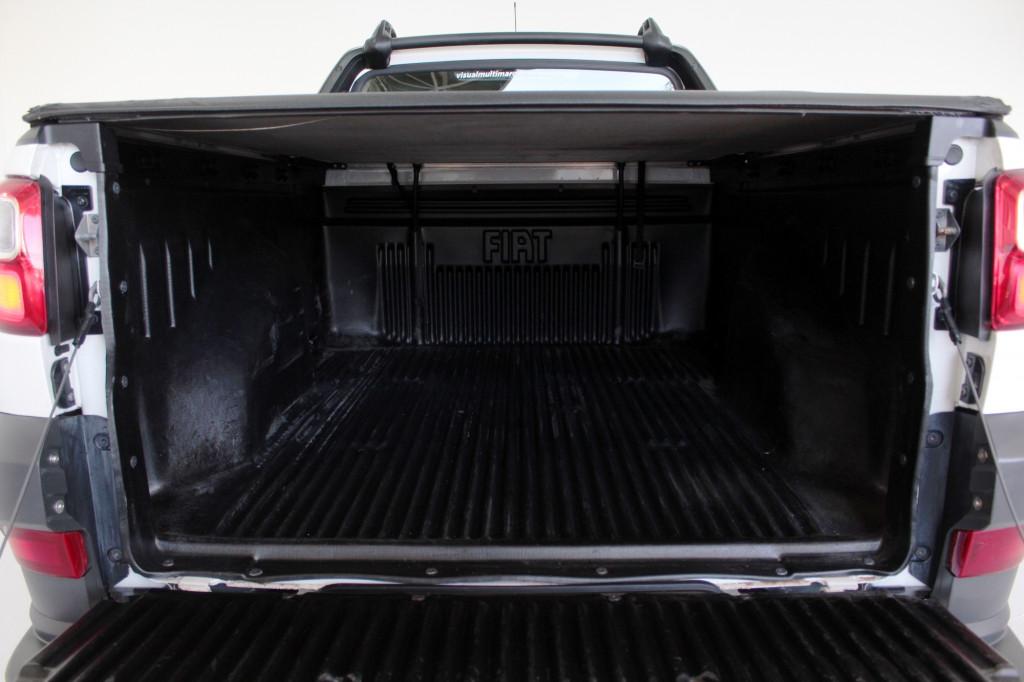 Imagem do veículo FIAT STRADA 1.4 HARD WORKING CS 2P FLEX MANUAL - 2019 - BRANCO