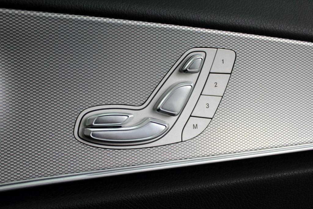 Imagem do veículo MERCEDES-BENZ E 250 2.0 TURBO AVANTGARDE AUTOMÁTICO 9M - 2017 - BRANCO