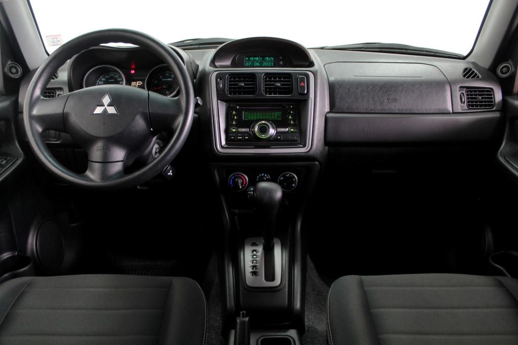 Imagem do veículo MITSUBISHI PAJERO TR4 2.0 FLEX 4P AUTOMÁTICO - 2014 - CINZA