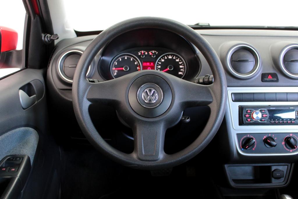 Imagem do veículo VOLKSWAGEN VOYAGE 1.6 FLEX 4P AUTOMÁTIZADO 5M - 2013 - VERMELHO