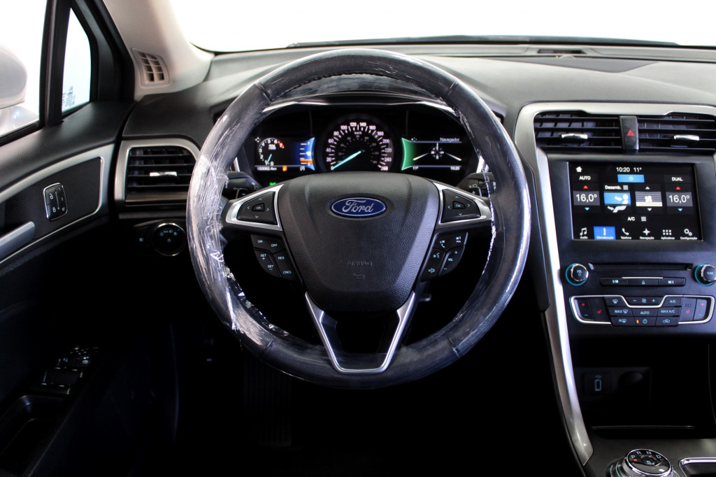 Imagem do veículo FORD FUSION 2.0 SEL 4P AUTOMÁTICO 6M - 2018 - CINZA