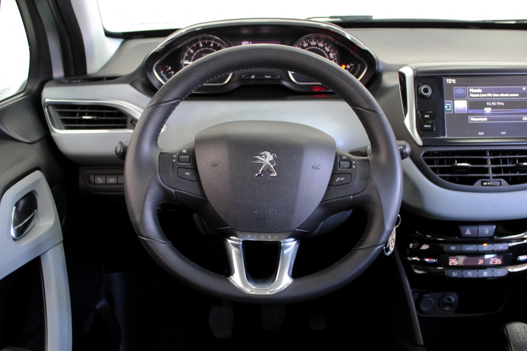 Imagem do veículo PEUGEOT 208 1.5 ALLURE FLEX 4P MANUAL - 2016 - PRATA