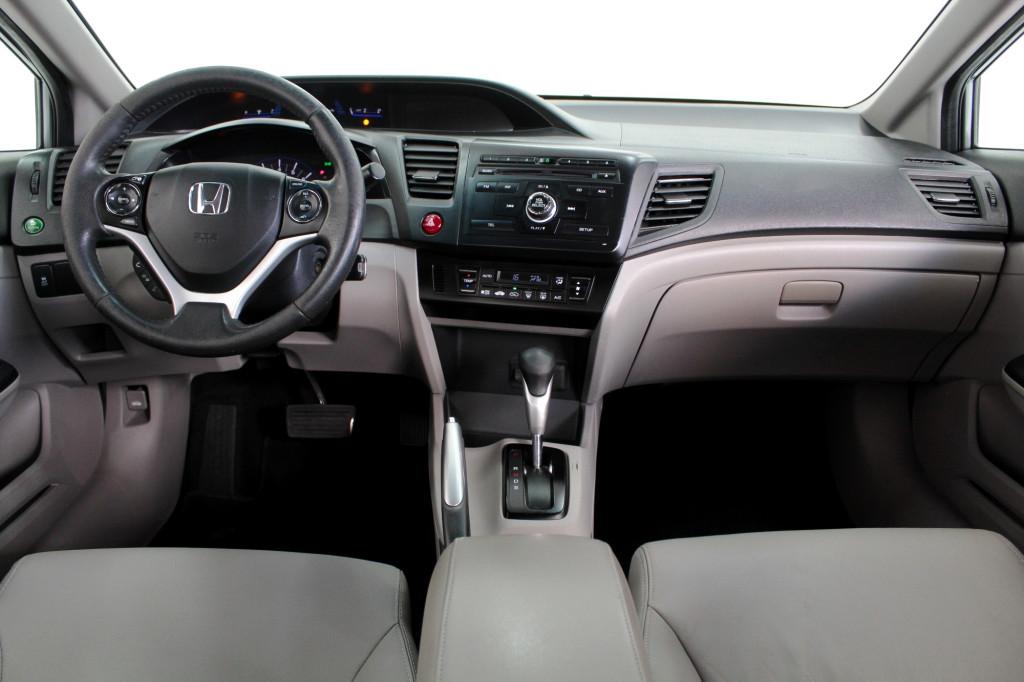 Imagem do veículo HONDA CIVIC 2.0 LXR FLEX 4P AUTOMÁTICO 5M - 2016 - CINZA