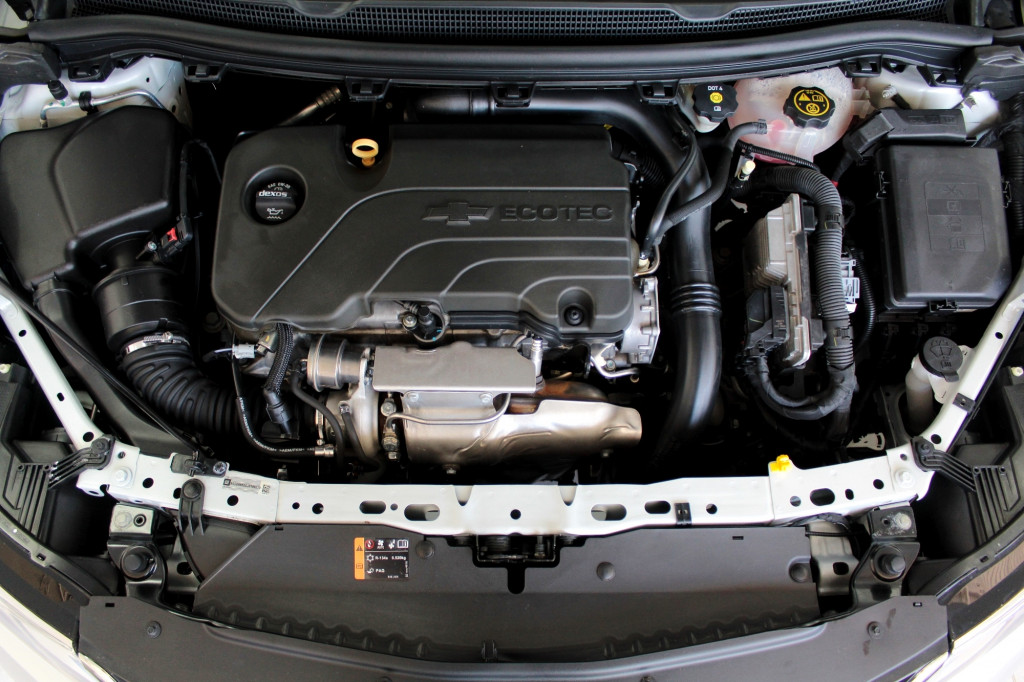 Imagem do veículo CHEVROLET CRUZE 1.4 TURBO SPORT6 LT FLEX 4P AUTOMÁTICO 6M - 2018 - PRATA