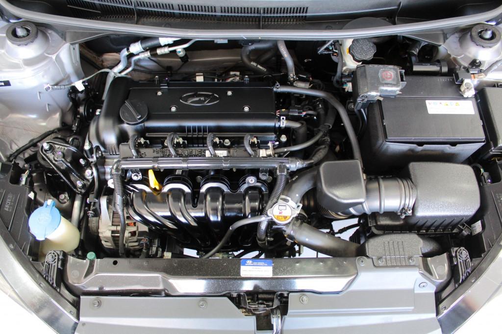 Imagem do veículo HYUNDAI HB20X 1.6 STYLE FLEX 4P MANUAL 6M - 2016 - PRATA