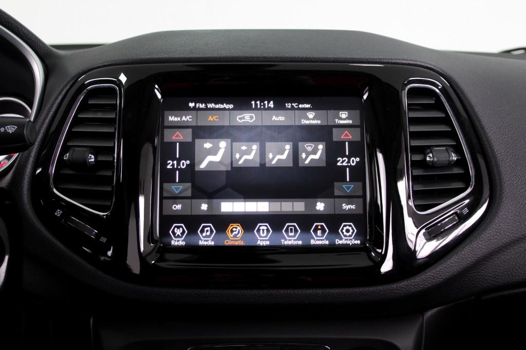 Imagem do veículo JEEP COMPASS 2.0 LIMITED FLEX AUTOMÁTICO 6M - 2018 - CINZA