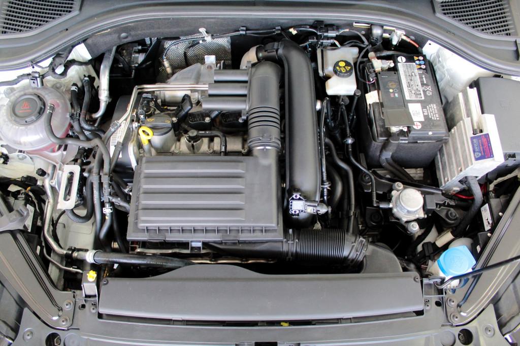 Imagem do veículo VOLKSWAGEN JETTA 1.4 250 TSI R-LINE FLEX AUTOMÁTICO 6M - 2020 - BRANCO