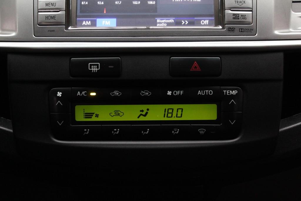 Imagem do veículo TOYOTA HILUX SRV CD 3.0 4X4 DIESEL 4P MANUAL - 2014 - BRANCO