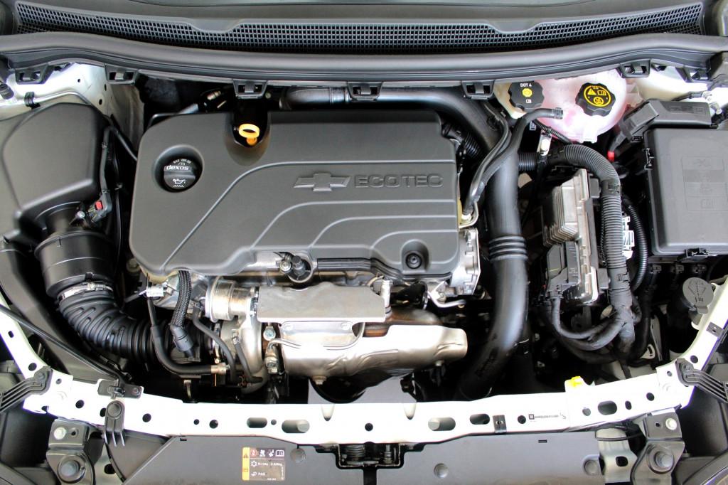 Imagem do veículo CHEVROLET CRUZE 1.4 TURBO SPORT6 LT FLEX 4P AUTOMÁTICO 6M - 2020 - BRANCO