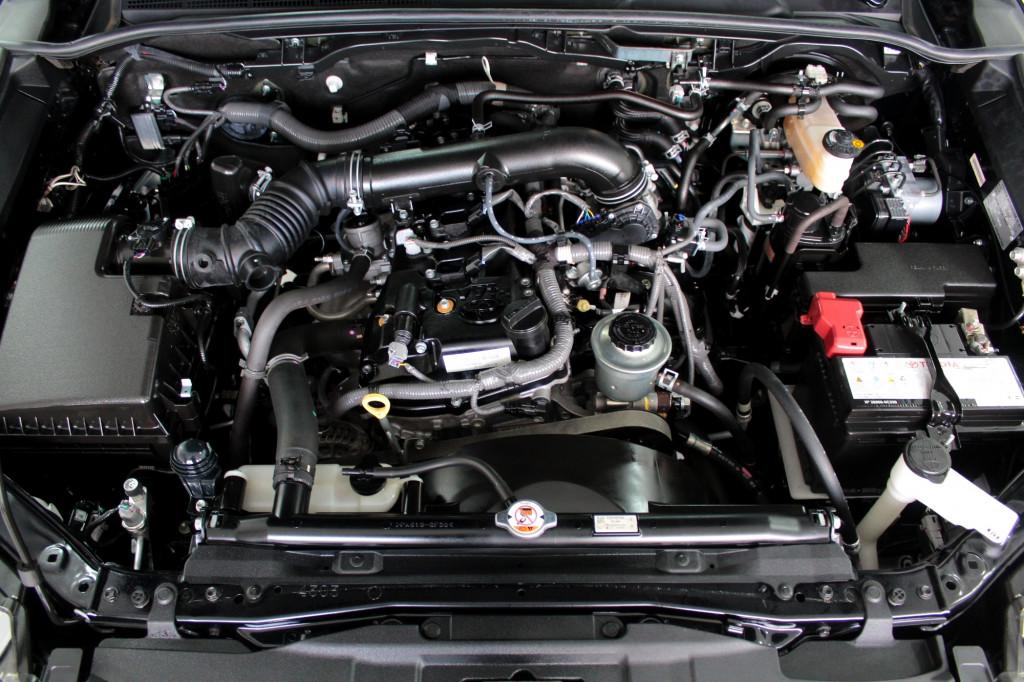 Imagem do veículo TOYOTA HILUX SW4 2.7 SRV FLEX 7L AUTOMÁTICO 6M - 2018 - PRETO