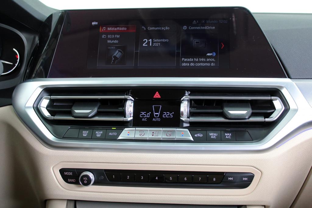 Imagem do veículo BMW 320i 2.0 TURBO SPORT AUTOMÁTICO 8M - 2020 - CINZA