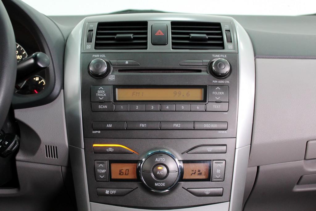 Imagem do veículo TOYOTA COROLLA 1.8 GLI FLEX AUTOMÁTICO - 2012 - CINZA