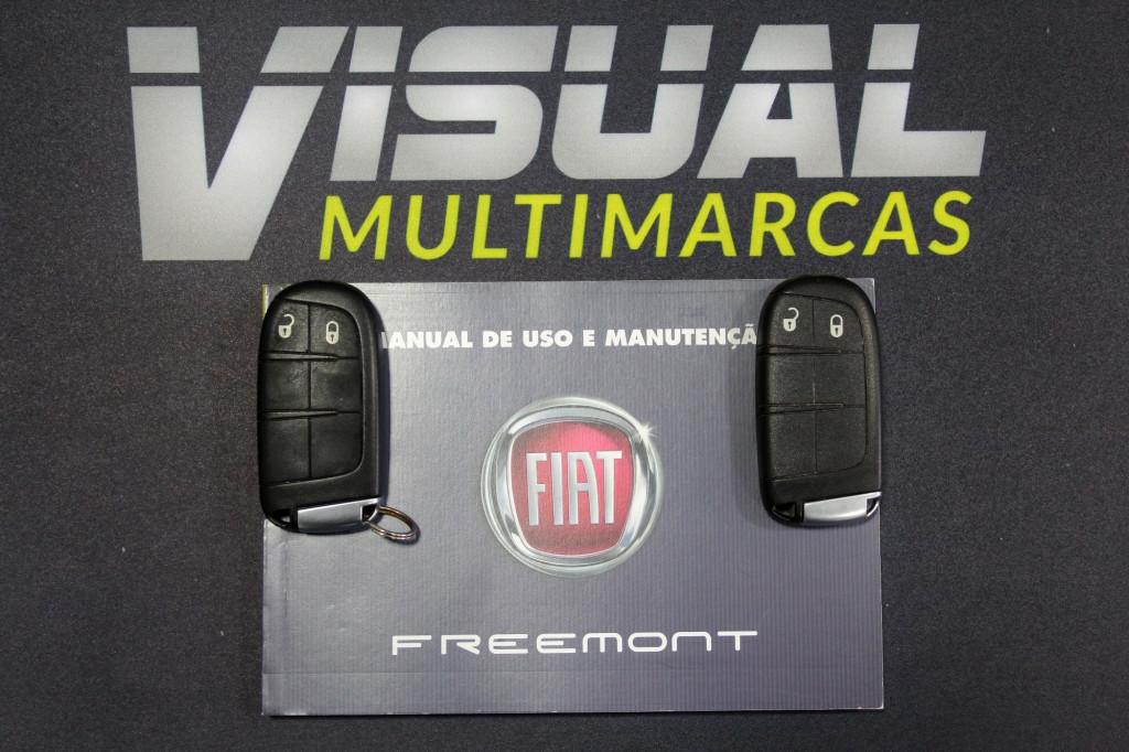 Imagem do veículo FIAT FREEMONT 2.4 PRECISION 7L AUTOMÁTICO 6M - 2014 - PRATA