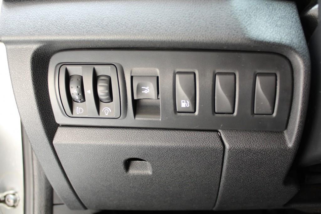 Imagem do veículo RENAULT FLUENCE DYNAMIQUE 2.0 FLEX 4P AUTOMÁTICO CVT - 2012 - PRATA