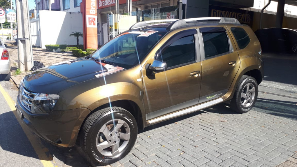 DUSTER TECH ROAD IMPECÁVEL + MULTIMÍDIA + COURO!