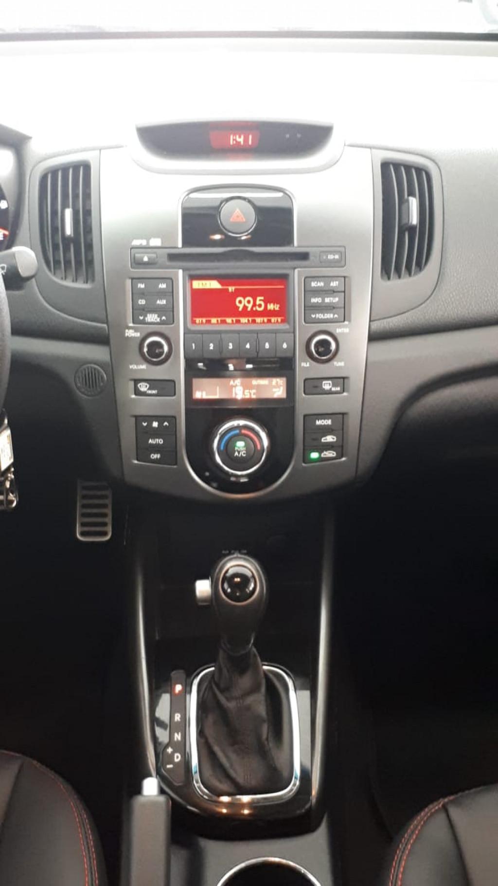 Imagem do veículo CERATO 1.6 AUTOMÁTICO Ú. DONO TOP DE LINHA COM APENAS 59.000 KM!