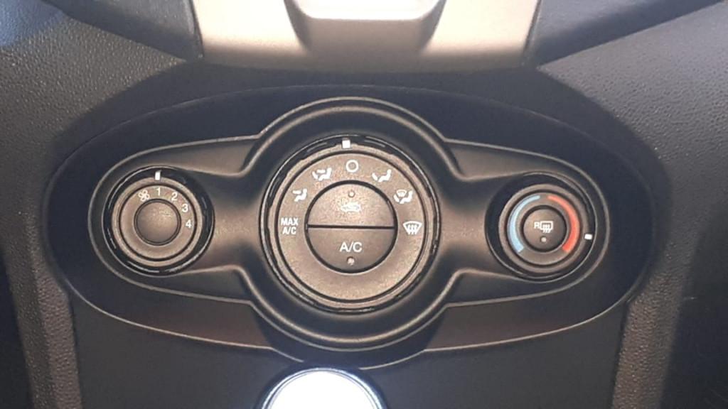 Imagem do veículo NEW FIESTA SE 1.6 FLEX COMPLETÍSSIMO! APENAS 73.000 KM!