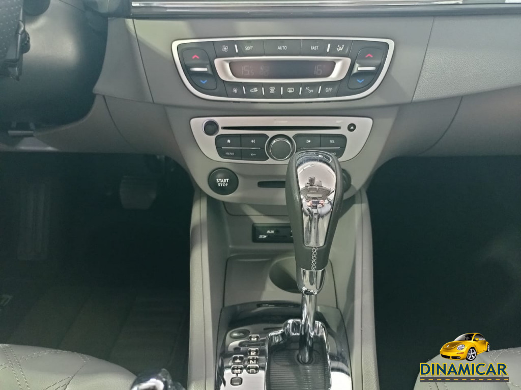 Imagem do veículo FLUENCE PRIVILEGE CVT TOP DE LINHA  COM TETO SOLAR!