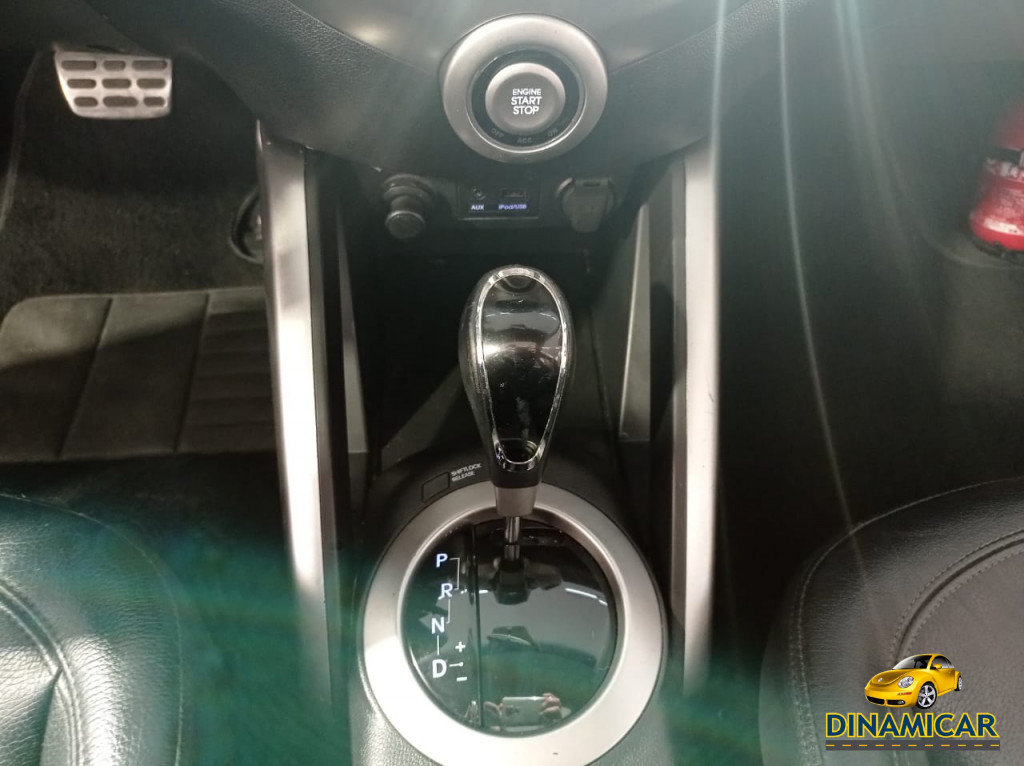 Imagem do veículo VELOSTER AUTOMÁTICO ! TOP DE LINHA COM TETO SOLAR! IMPECÁVEL!