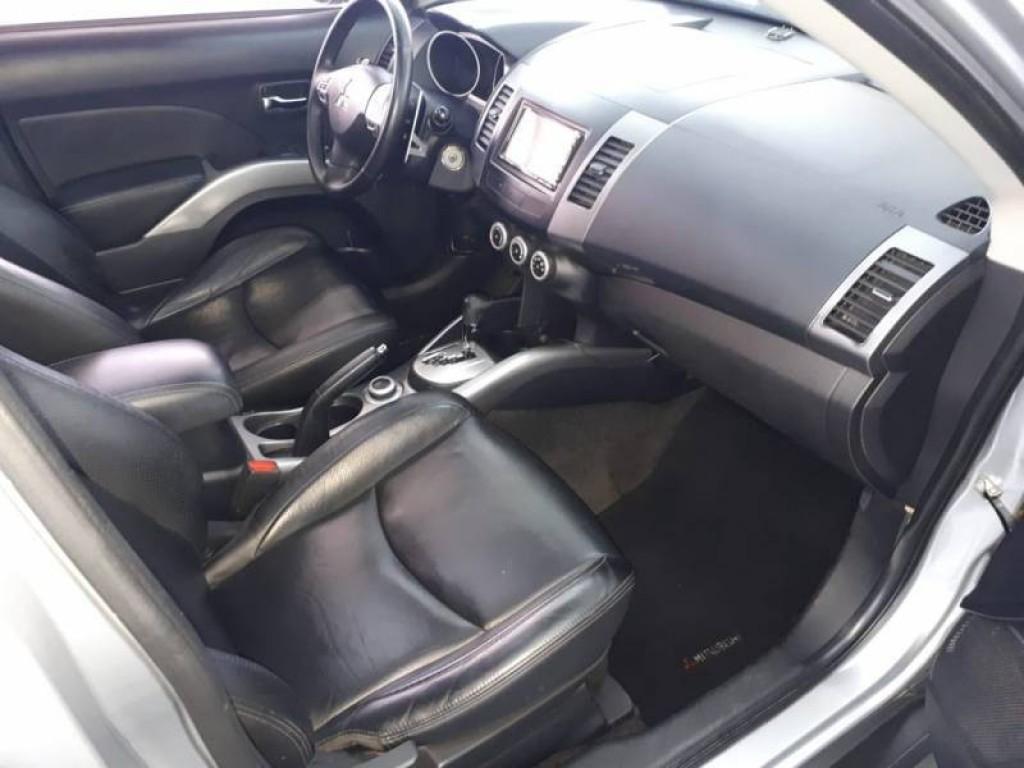 Imagem do veículo OUTLANDER 3.0 V6 4X4 AUTOMÁTICA!