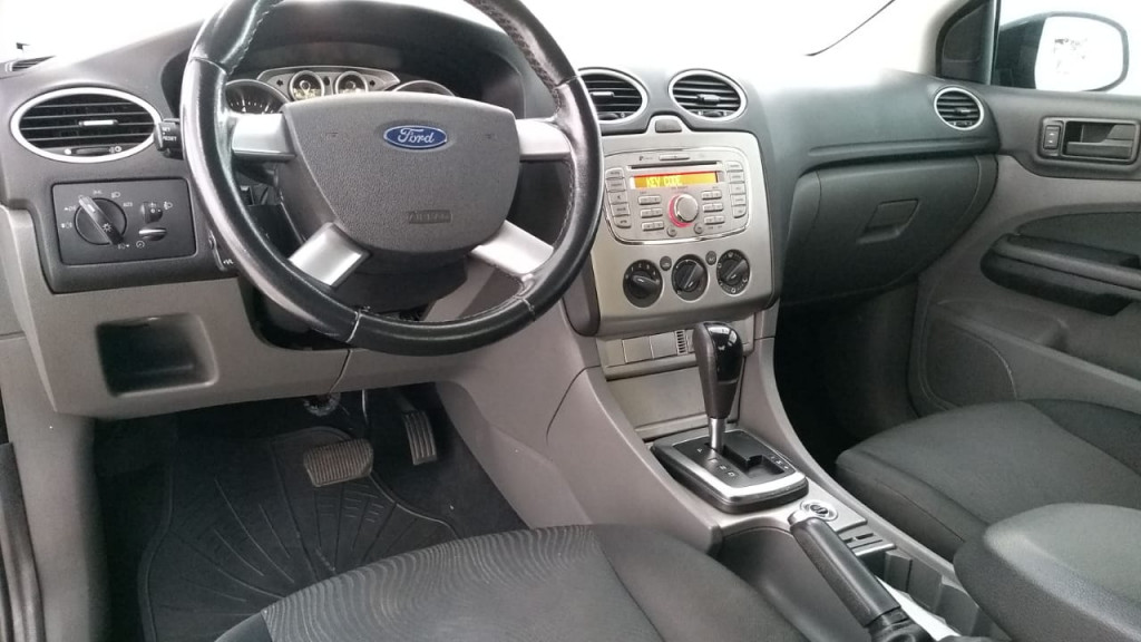 Imagem do veículo FORD FOCUS 2.0 16V SEDAN 4P AUTOMÁTICO 2013!
