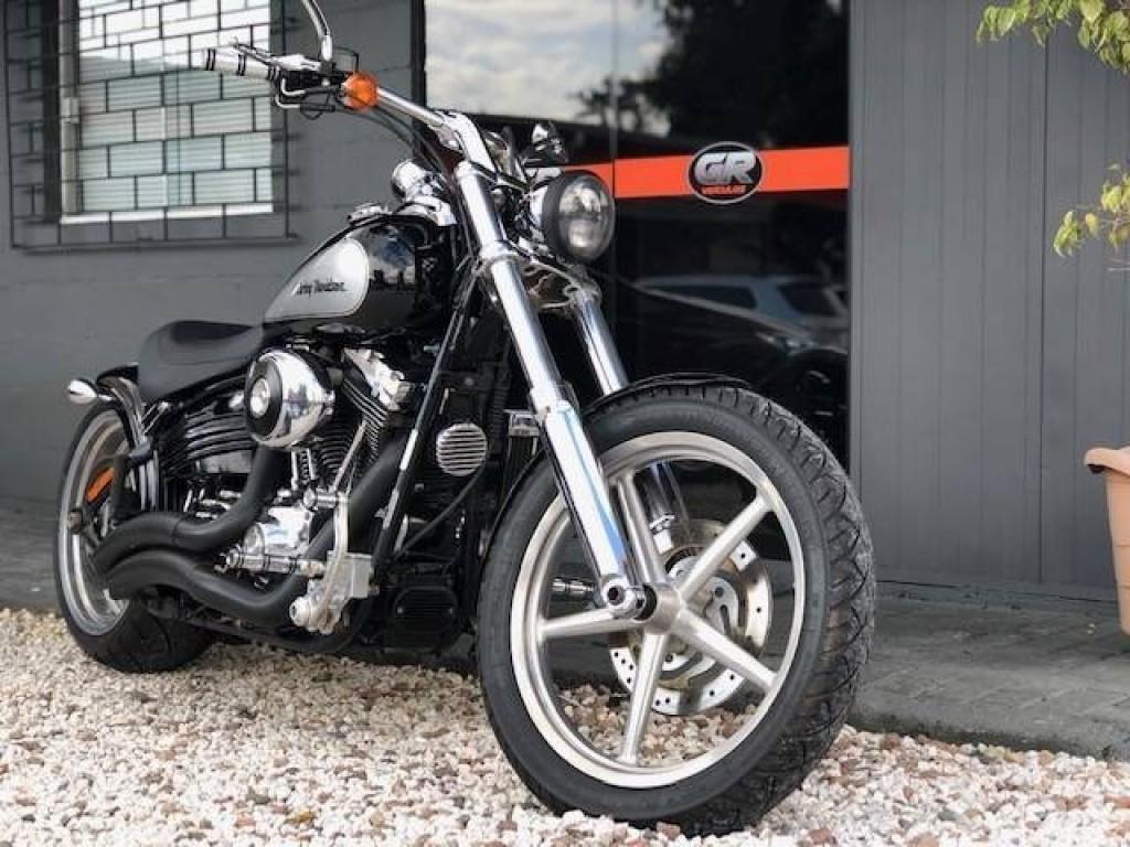 Imagem do veículo Harley Davidson Rocker FX
