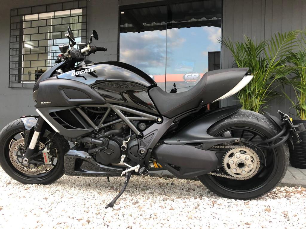 Imagem do veículo Ducati Diavel ABS 1198cc