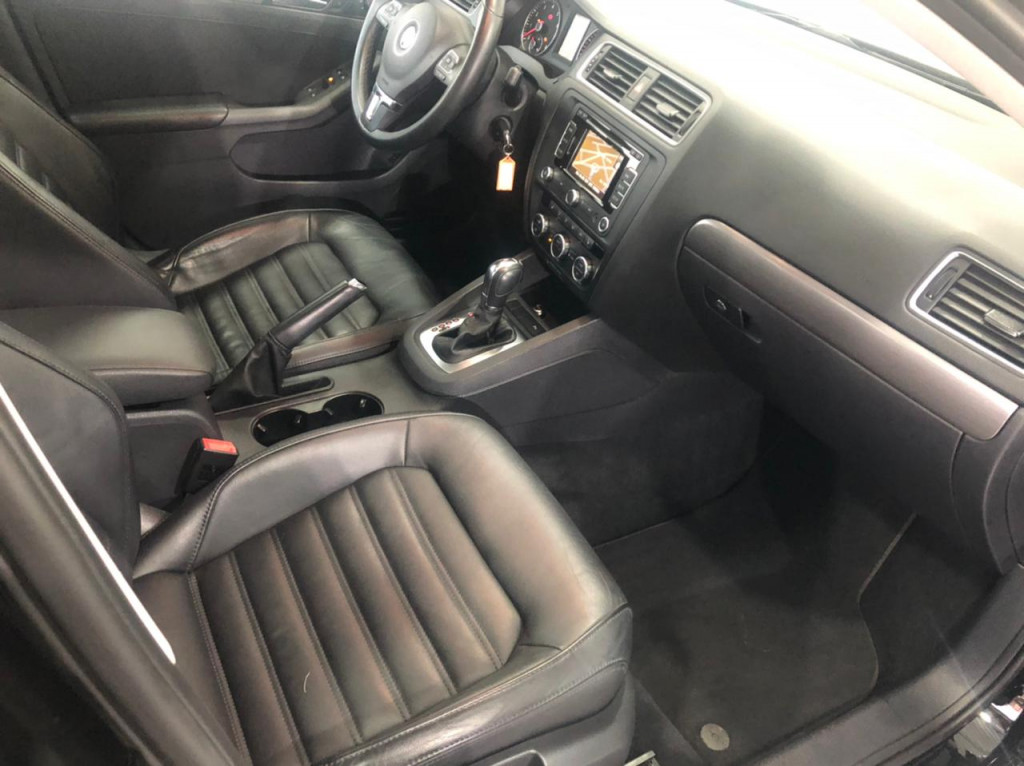 Imagem do veículo VOLKSWAGEN JETTA 2.0 tsi highline 211cv gasolina 4p tiptronic