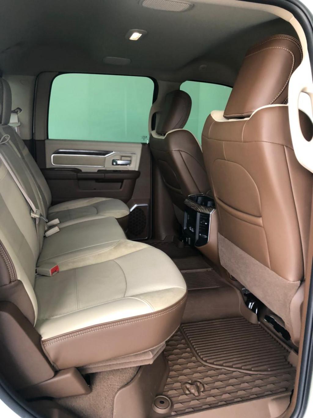 Imagem do veículo RAM 2500 6.7 TURBO DIESEL LARAMIE CD 4X4 AUTOMÁTICO