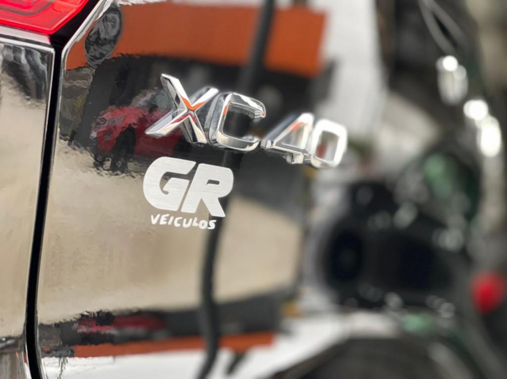 Imagem do veículo VOLVO XC40 2.0 T5 GASOLINA R-DESIGN AWD GEARTRONIC