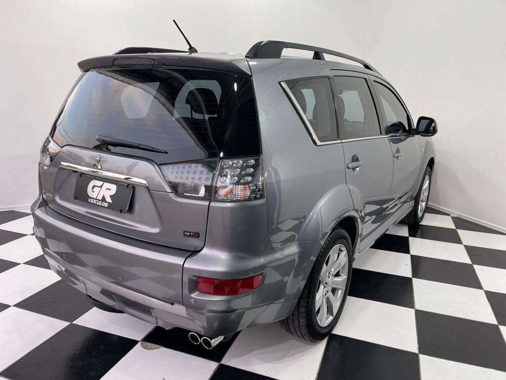Imagem do veículo MITSUBISHI OUTLANDER 3.0 GT4 4X4 V6 24V GASOLINA 4P AUTOMÁTICO