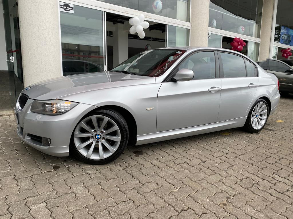 Imagem do veículo BMW 320i 2.0 AT c/ APENAS 72.000 KM RODADOS!