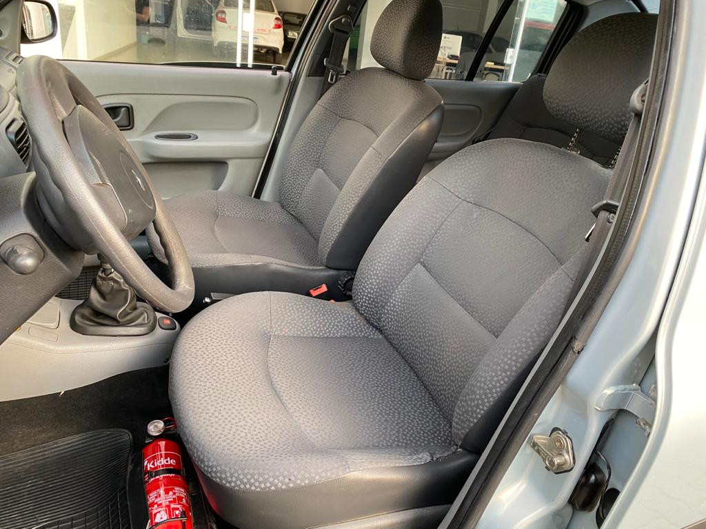 Imagem do veículo CLIO AUTHENTIQUE SEDAN 1.0 C/ AR CONDICIONADO E DIREÇÃO HIDRÁULICA!