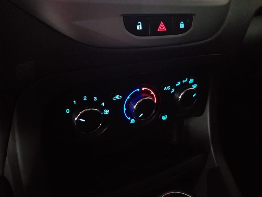 Imagem do veículo KA SE PLUS 1.0/HATCH C/ MULTIMÍDIA