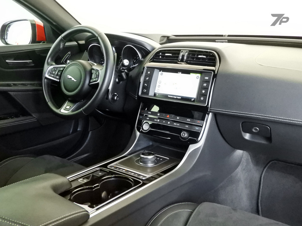 Imagem do veículo JAGUAR XE 3.0 V6 SUPERCHARGER GASOLINA S 4P AUTOMÁTICO