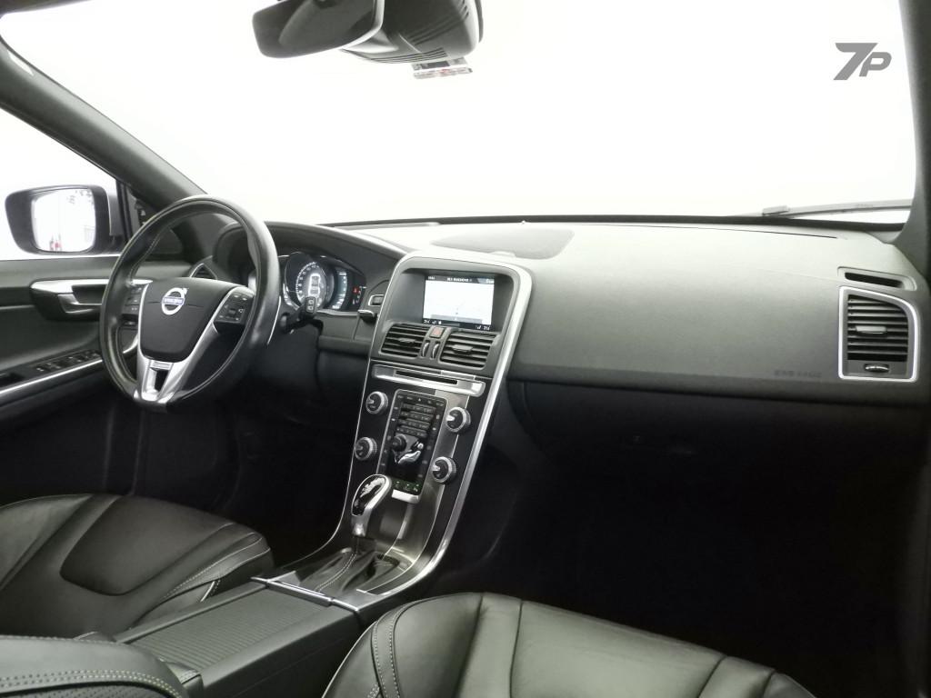 Imagem do veículo VOLVO XC60 2.0 T6 R DESIGN TURBO GASOLINA 4P AUTOMÁTICO
