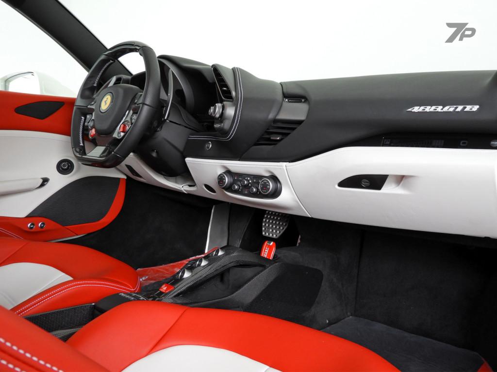 Imagem do veículo FERRARI 488 GTB 3.9 V8 TURBO GASOLINA F1-DCT