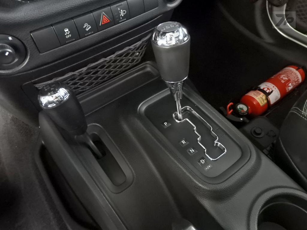 Imagem do veículo JEEP WRANGLER 3.6 UNLIMITED SPORT 4X4 V6 GASOLINA 4P AUTOMÁTICO