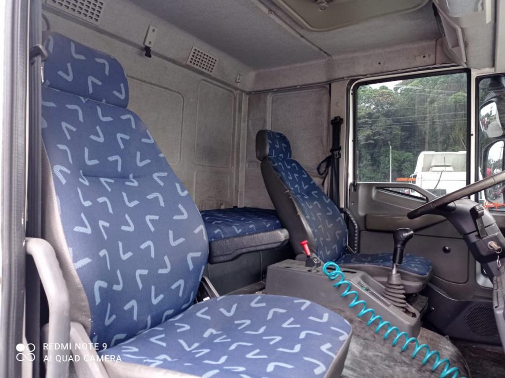 Imagem do veículo Iveco Tector 240E25 6x2 2P