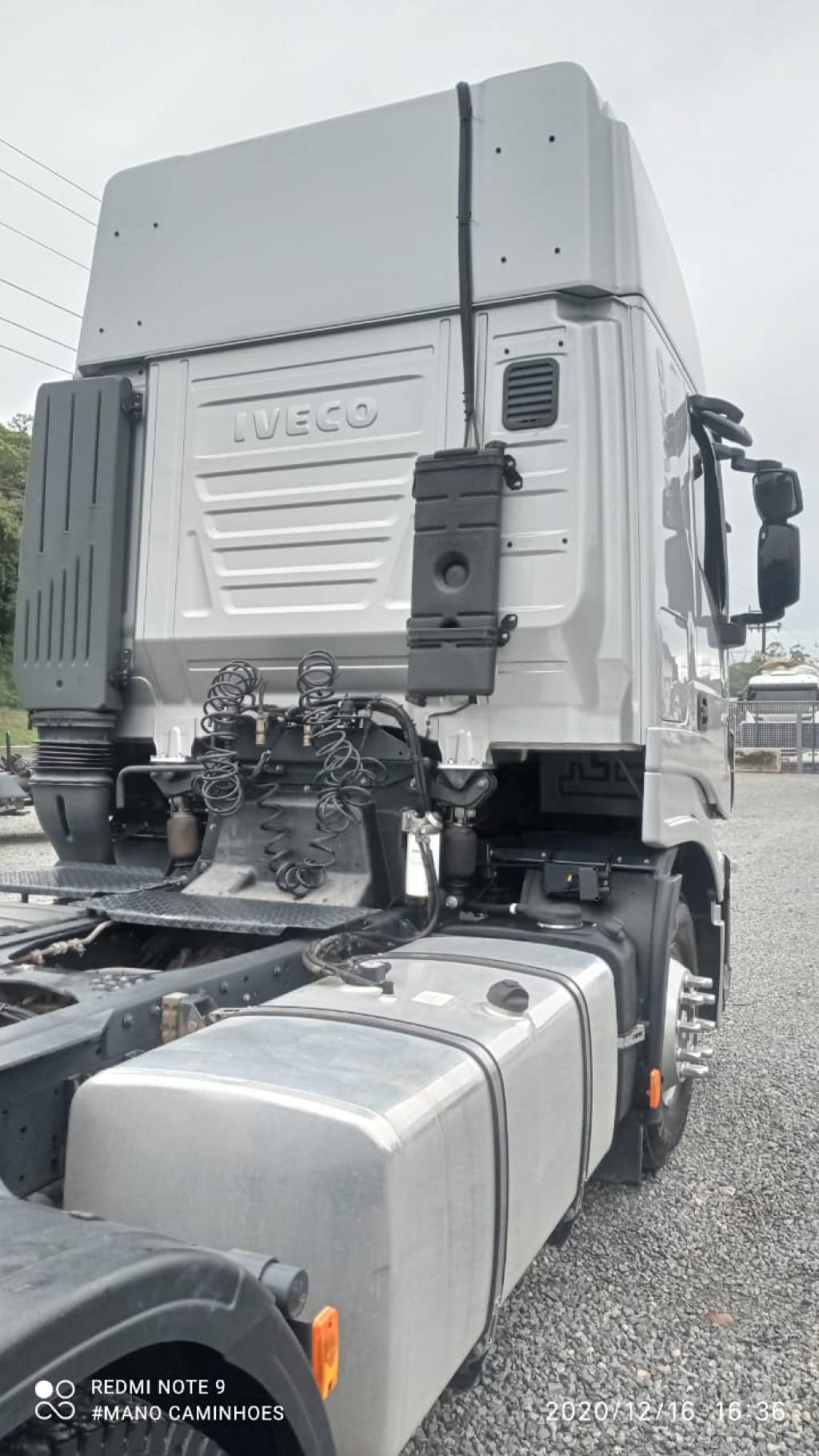 Imagem do veículo Iveco Stralis Hi-Way 600-S44T 6x2 (E5)