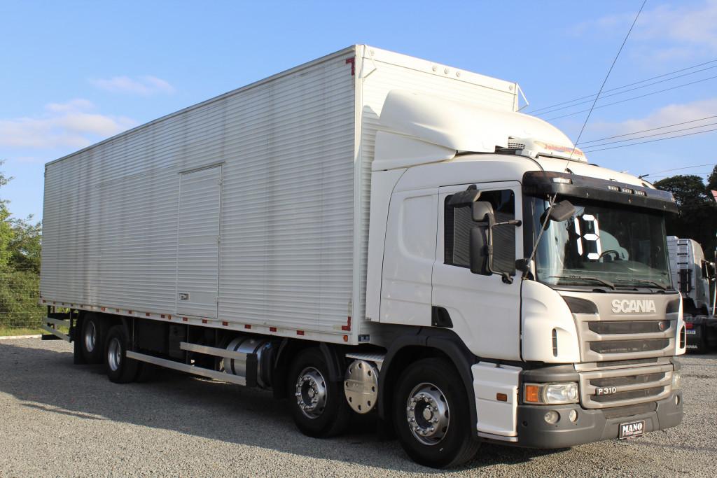 SCANIA P 310 8x2 Bitruck - Baú