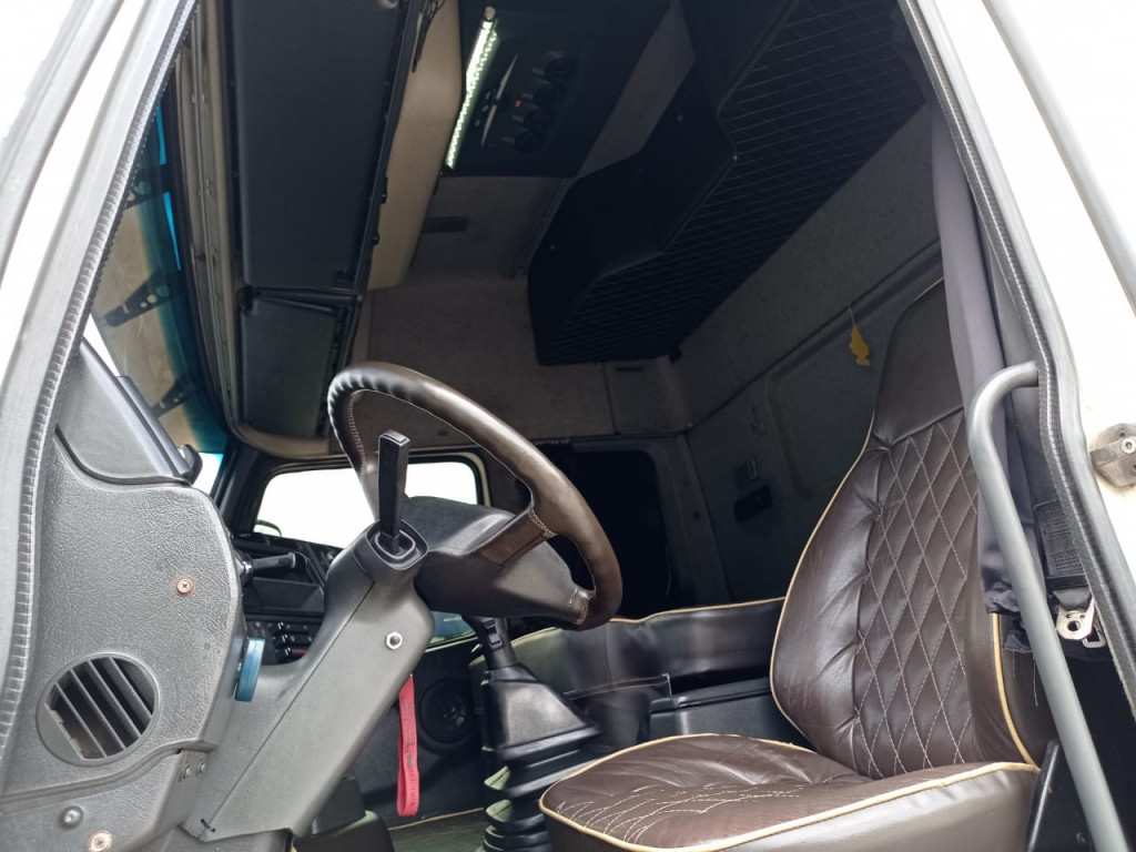 Imagem do veículo VOLVO FH 12 380 Globetrotter 6x2