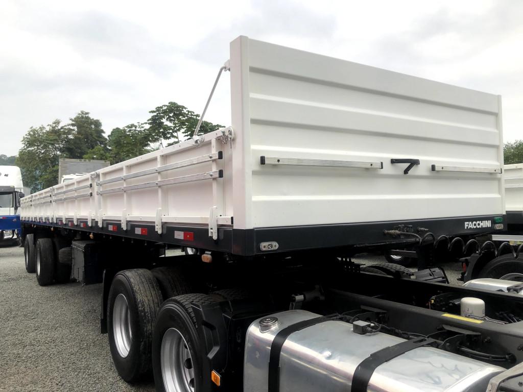 Imagem do veículo Carreta Carga Seca  2 eixos - Porta Container