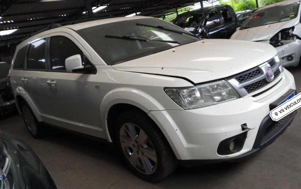 FIAT FREEMONT 2.4 16V GASOLINA 4P AUTOMÁTICO